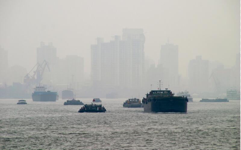 """逾700亿环境监测市场疾驰而来 水气板块不仅""""燃""""了还换了风格"""